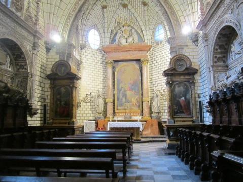 Uma das muitas capelas no interior da caedral